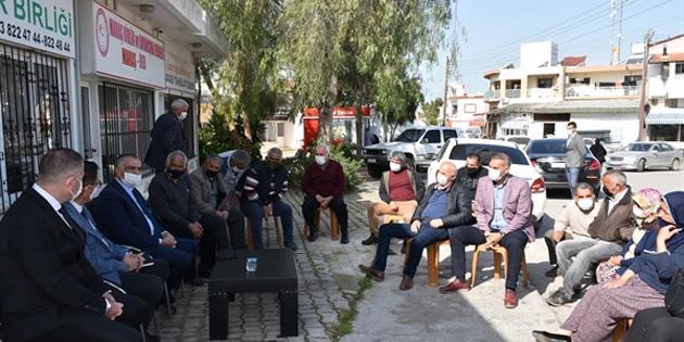 Bakan Çavuşoğlu seracılarla görüştü