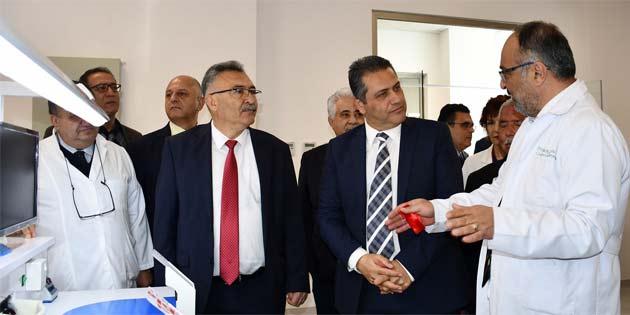 DAÜ Diş Hekimliği Fakülte binası ile Dr. Fazıl Küçük Tıp Fakültesi Klinik Uygulama Merkezi törenle açıldı