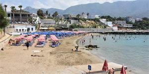 Girne'deki plaj ve sahilleri yaz sezonuna hazır