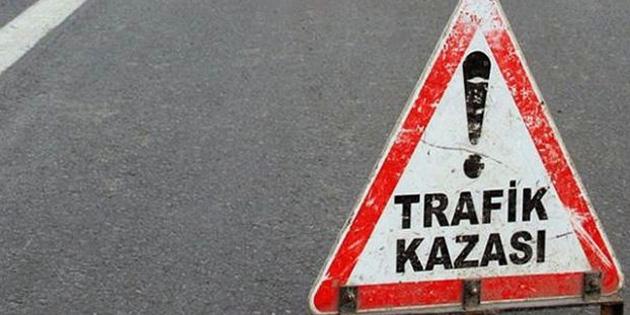 Yol ��ine Park Edilen Arac�n A��lan Kap�s�na �arpan Motosiklet S�r�c�s� A��r Yaral�