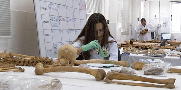 Meri� k�y�nde 4 K�br�sl� Rum kayba ait kemik kal�nt�lar� bulundu