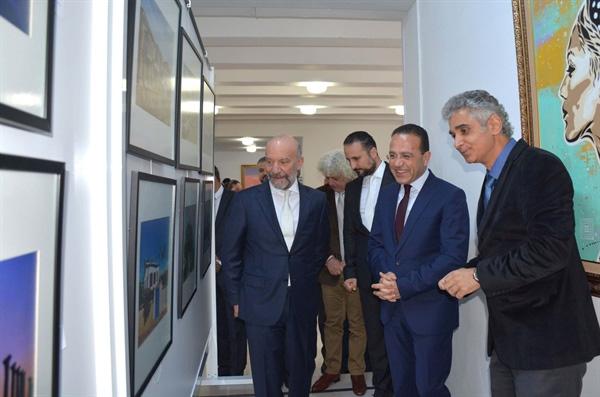 """Ediz Tuncel'in """"Köşe Bucak Kuzey Kıbrıs Foto-Resim Sergisi"""" Tarım ve Doğal Kaynaklar Bakanı Şahali tarafından açıldı"""