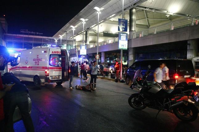 Atat�rk Havaliman�'nda patlama! 28 ki�i hayat�n� kaybetti, 60 ki�i de yaraland�