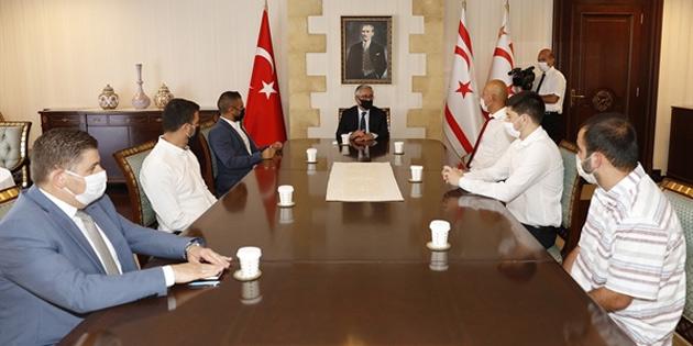 Cumhurbaşkanı Akıncı Çetinkaya Türk Spor Klübü'nü kabul etti