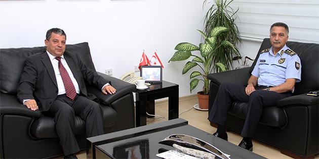 ULA�TIRMA BAKANI D�R�ST POL�S GENEL M�D�R�'YLE YOL G�VENL���N� G�R��T�