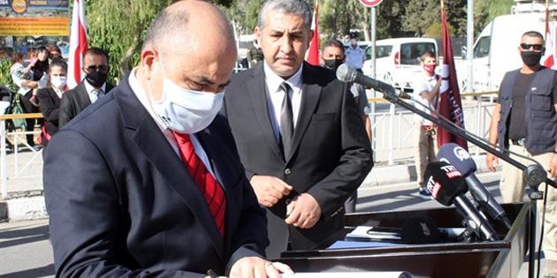 Lefkoşa'da, Atatürk Anıtı önünde töreni gerçekleştirildi