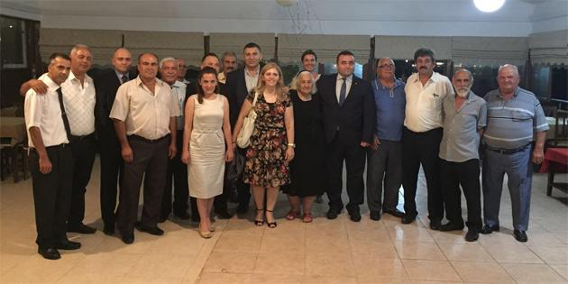 �ftar Yeme�inde Yenierenk�y Muhtar� Vahibe �zkas�rga'ya S�rpriz Kutlama