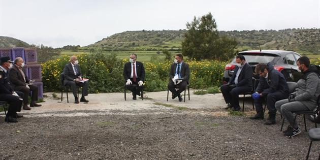 Karpaz Koordinasyon Komitesi ilk açık hava toplantısını karantina sınırında gerçekleştirdi