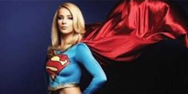 Burcu Esmersoy, Supergirl oldu