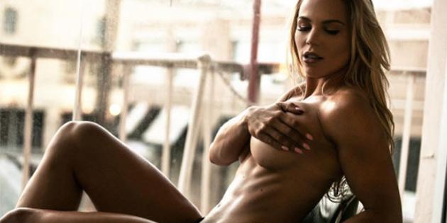 Dünyanın en seksi hemşiresi: Lauren Drain