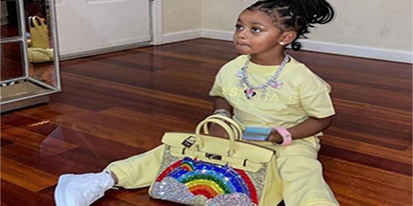 Cardi B üç yaşındaki kızına 400 bin TL değerinde çanta aldı