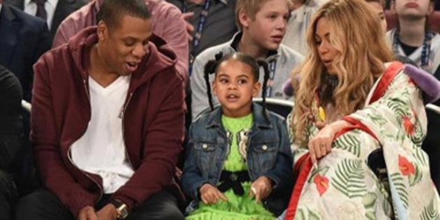 Beyonce ailesi ile All Star'ı izledi!