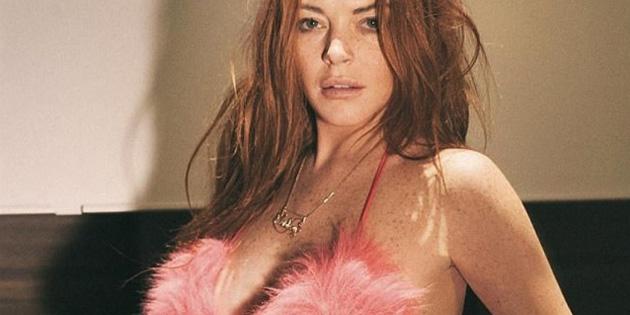 Lindsay, Tayland'da haşemalı, İtalya'da bikinili