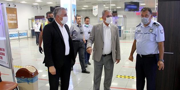 Sağlık Bakanı, Turizm ve Çevre Bakanı, Maliye Bakanı, Ercan'da alınan tedbirleri yerinde inceledi