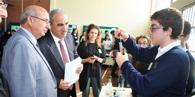 """Eğitim Bakanı Özyiğit TMK'da """"Fen sergisi""""ni açtı"""