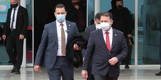 Başbakan Saner, adadan ayrıldı