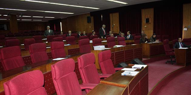Meclis başkanlık divanı seçimi ertelendi