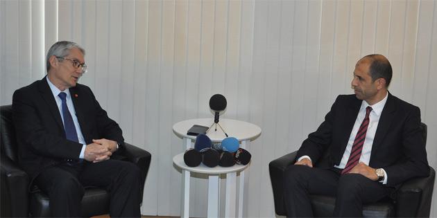 Özersay Türkiye Büyükelçisi Kanbay ile görüştü