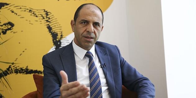 Özersay: 'Kıbrıs'ta doğal gaz konusunda göstermelik önerilere sıcak bakılmamalı'