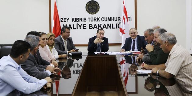 Serdar Denktaş, KTÖS Genel Sekreteri Elcil ile görüştü