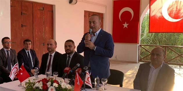 TC Dışişleri Bakanı Çavuşoğlu Karpaz'da vatandaşlarla buluştu