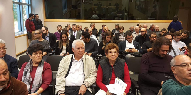 Avrupa Parlamentosu'nda Kıbrıslı Türklerle Kıbrıslı Rumlara sunum