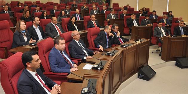 Hükümeti oluşturan partilerin başkanları meclis'te toplantı yaptı