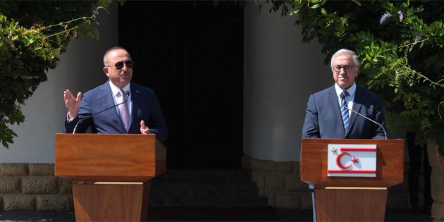 """Çavuşoğlu: """"Neyi müzakere edeceğimizi belirlemek için 5 artı BM formatında gayrı resmi toplantı"""""""