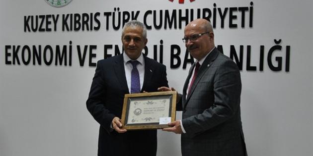 Ekonomi ve Enerji Bakanı Taçoy KKTC'ye çalışma ziyaretinde bulunan ATO heyeti ile bir araya geldi