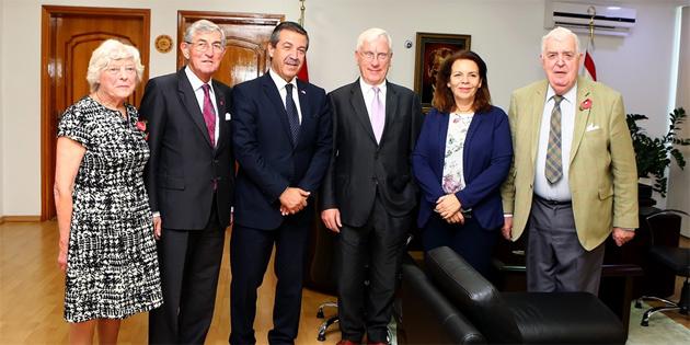Dışişleri Bakanı Ertuğruloğlu, İngiltere Dostluk Grubunu kabul etti