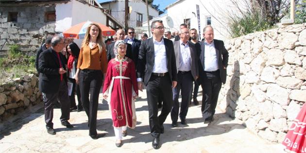 """""""Bağlıköy, ülkemizin en gülen yüzlerinden biri"""""""