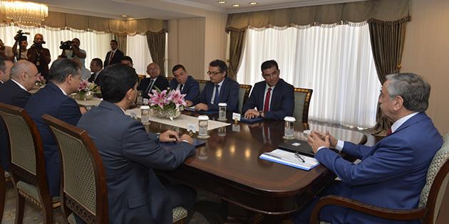 Cumhurbaşkanı Akıncı, siyasi partilerle bir araya geldi