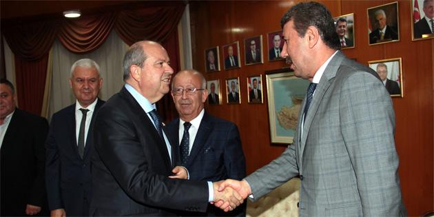 Başbakan Tatar, Anamur Belediyesi ile Anamur Ticaret ve Sanayi Odası yetkililerini kabul etti