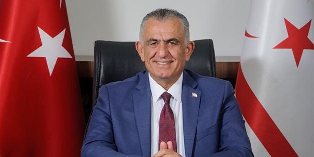 Çavuşoğlu: 'Bayramlar zor zamanda birbirimize destek olmak için fırsat'