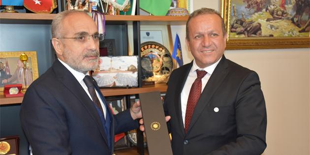 Ataoğlu, TC Cumhurbaşkanı Başdanışmanı Topçu ile görüştü