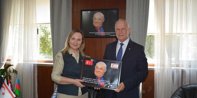Töre, Yalova Üniversitesi Rektörü Alkan'ı kabul etti