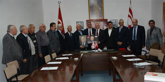Töre ve bazı milletvekillerinden TMT Mücahitler Derneği'ne ziyaret
