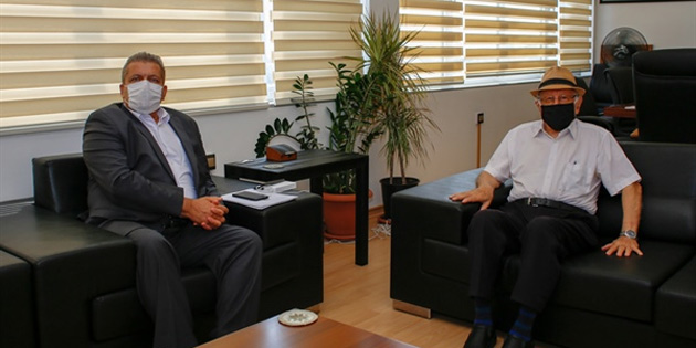Eski Başbakanlardan Hakkı Atun Başkan İsmail Arter'i ziyaret etti
