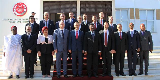 Uluçay, yabancı parlamenterleri kabul etti