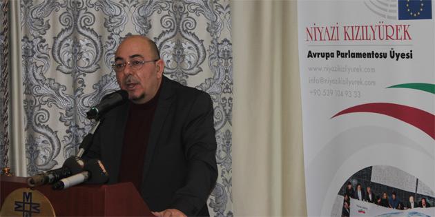 'Kıbrıslı Türkler Nereye?' konferansı başladı
