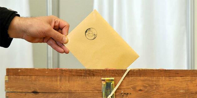 Hükümet ortakları erken seçim için 3 Nisan 2022'yi, muhalefet partileri 29 Ağustos 2021'i önerdi