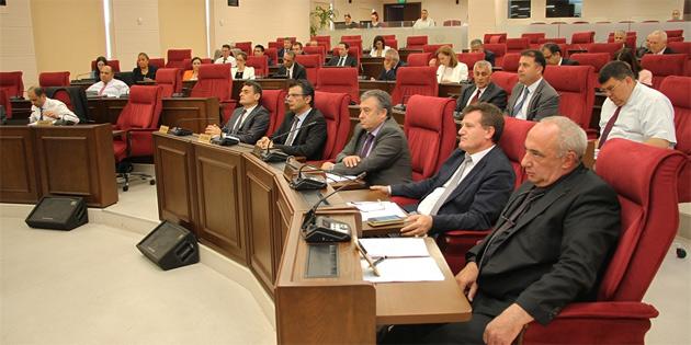 Çocuk izleme merkezi yasa önerisinin ivediliği reddedildi