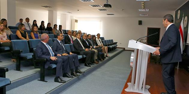 """""""Kıbrıs Türk halkının biten müzakere sürecini devam ettirmek gibi bir seçeneği yok"""""""