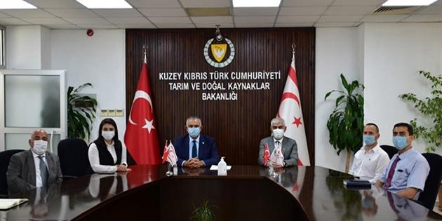 Çavuşoğlu, Kıbrıs Türk Sanayi Odası Başkanı Kamacıoğlu ve Yeni Yönetim Kurulu üyeleriyle görüştü