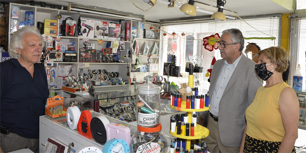 Cumhurbaşkanı Akıncı, Güzelyurt Çarşısı'nı ziyaret etti