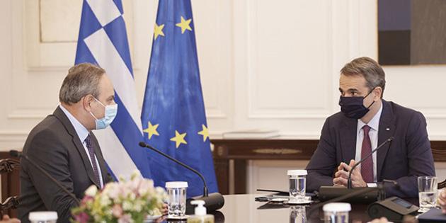Stefanu Atina'da Miçotakis'le görüştü