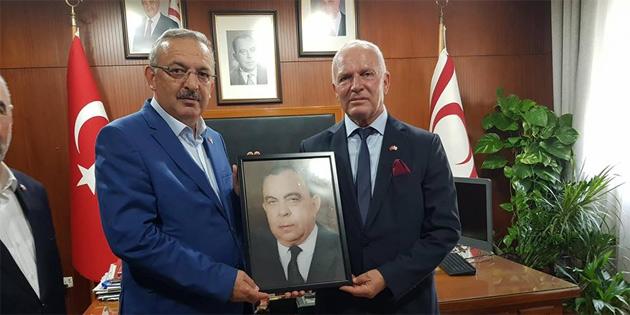 Töre Türkiye'den gelen Diyanet-Sen heyetini kabul etti