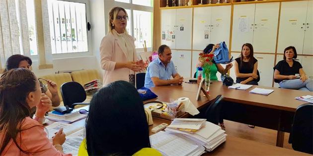 Gencay Eroğlu, Şehit Ertuğrul ve Şehit Tuncer ilkokullarını ziyaret etti