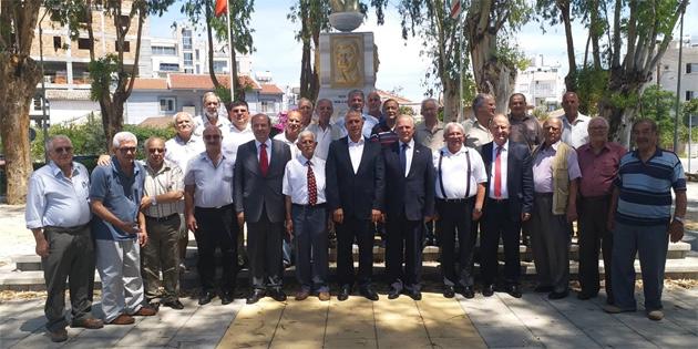 Töre ve bazı UBP Milletvekilleri Sönmezliler Ocağı'nı ziyaret etti
