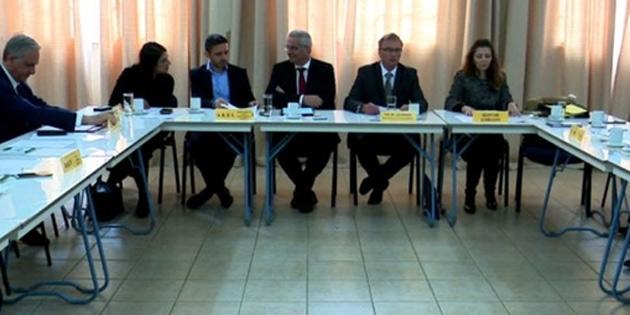 Kıbrıs Türk ve Kıbrıs Rum siyasi partilerin toplantısı 25 Eylül'de